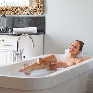 Bath salts Woman in bath with Meinebase Salts
