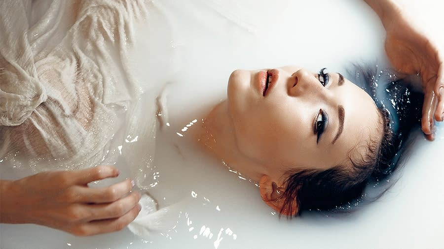 Moon Bathing with Himalayan Crystal Salt