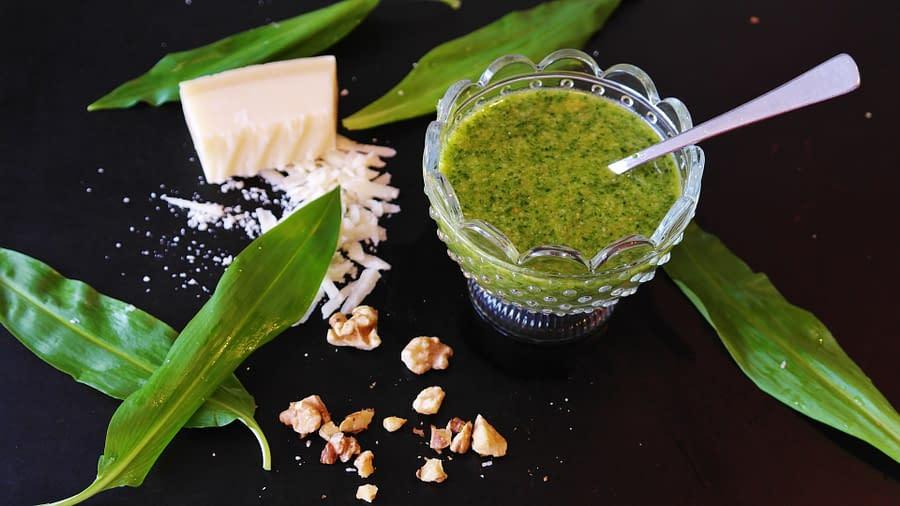 Chlorella Pesto